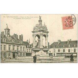 carte postale ancienne 28 CHATEAUDUN. La Place Fontaine 1905