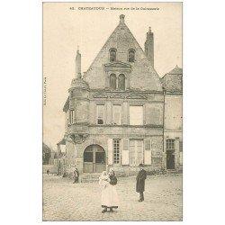 carte postale ancienne 28 CHATEAUDUN. Maison rue de la Cuirasserie. tampon Mousset tailleur et Bureau de Placement