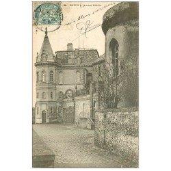 carte postale ancienne 28 DREUX. Ancien Evêché 1904
