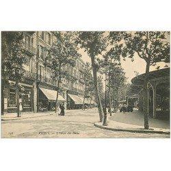 carte postale ancienne 03 VICHY. Hôtel des Bains et Pharmacie