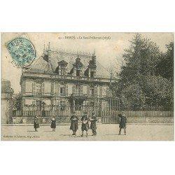 carte postale ancienne 28 DREUX. Ecoliers devant Sous-Préfecture 1905