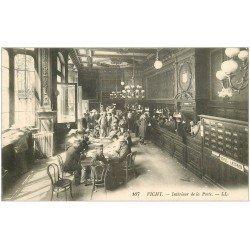 carte postale ancienne 03 VICHY. Intérieur de la Poste. Rare 1915. Boite aux Lettres Poste restante de l'Epoque
