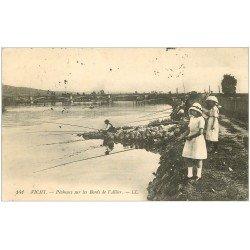 carte postale ancienne 03 VICHY. Jeunes Pêcheuses Bords de l'Allier 1915