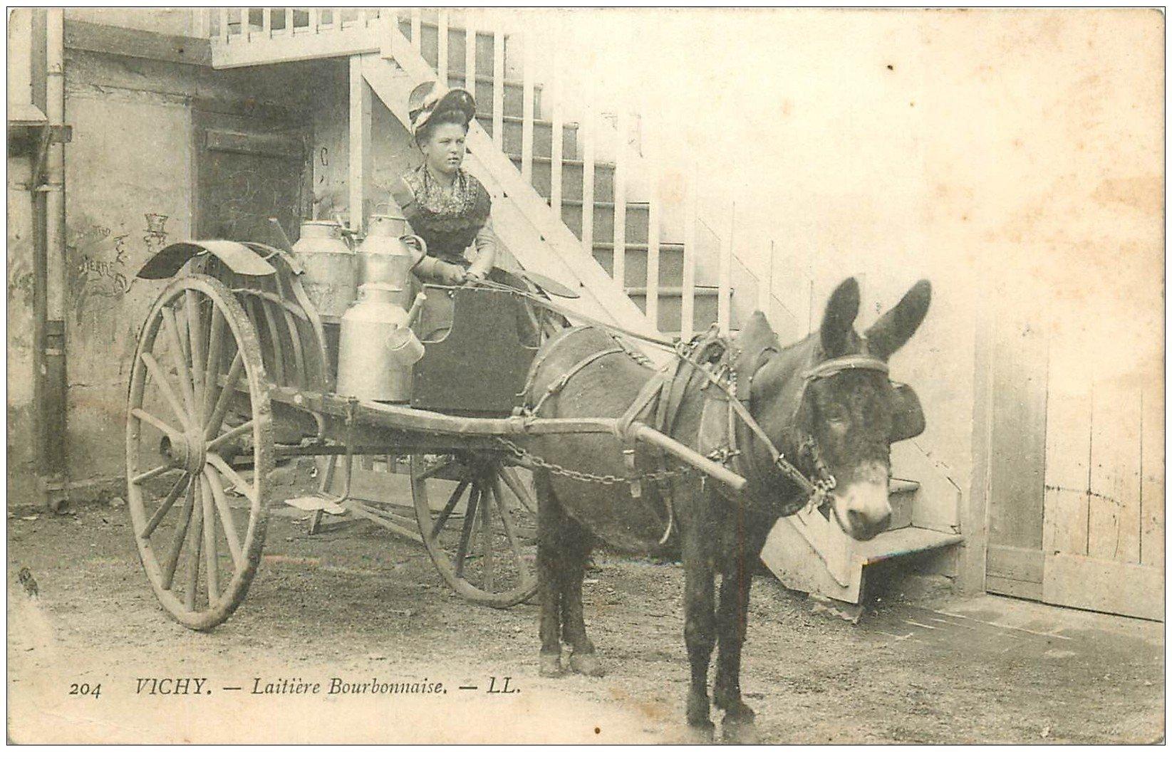 carte postale ancienne 03 VICHY. La Laitière Bourbonnaise 1906. Attelage Mule et Ane