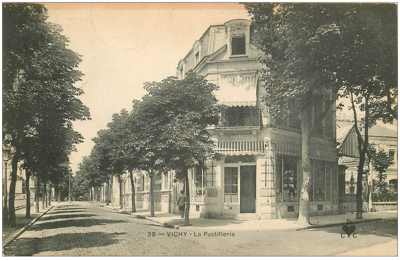 carte postale ancienne 03 VICHY. La Pastillerie 1906