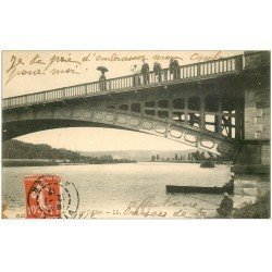 carte postale ancienne 03 VICHY. L'Allier. Curieux sur le Pont 1912 et Pêcheur
