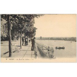 carte postale ancienne 03 VICHY. L'Allier. Le Bord n°2