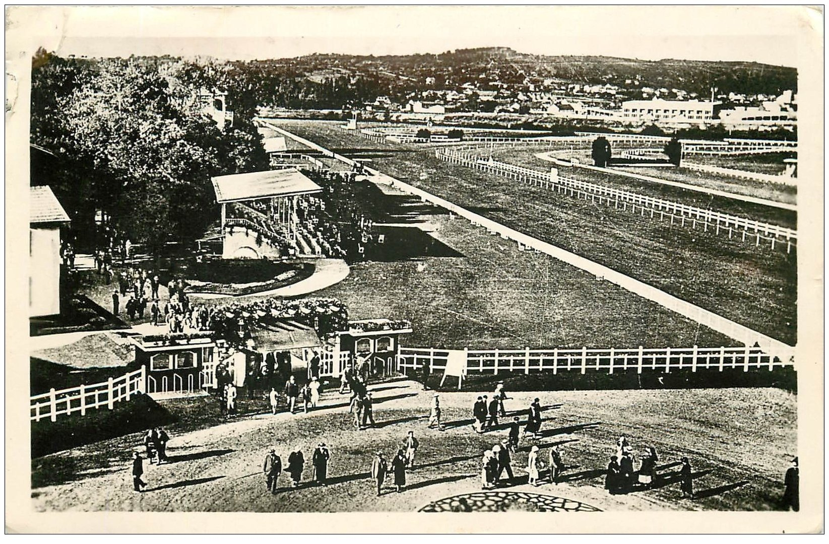 carte postale ancienne 03 VICHY. Le Champ de Course 1948