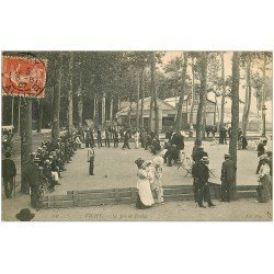 carte postale ancienne 03 VICHY. Le Jeu de Boules ou Pétanque. Rare en 1907