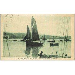 carte postale ancienne 29 AUDIERNE. Rentrée des Bâteaux de Pêche 1935