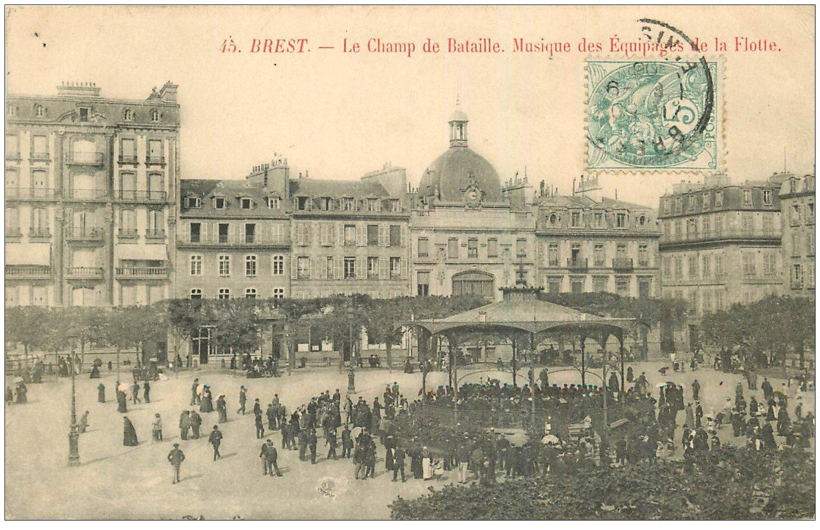 carte postale ancienne 29 BREST. Musique Equipage de la Flotte Champ de Bataille 1906