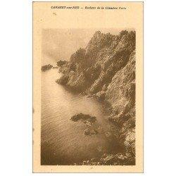 carte postale ancienne 29 CAMARET-SUR-MER. Rochers Chambre Verte