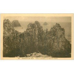 carte postale ancienne 29 CAMARET-SUR-MER. Rochers Pointe de Penhir