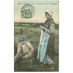 carte postale ancienne 29 CROZON-MORGAT. Tricoteuse sur les Landes 1907