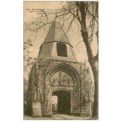carte postale ancienne 29 DAOULAS. porche Eglise 1921