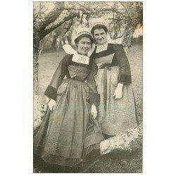 carte postale ancienne 29 PONT-AVEN. Jeunes Filles en habit traditionnel