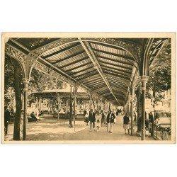 carte postale ancienne 03 VICHY. Parc Allée couverte 1929