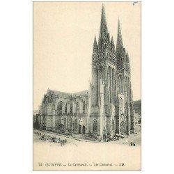 carte postale ancienne 29 QUIMPER. Cathédrale avec petit marché