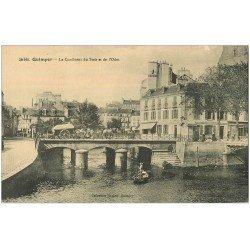 carte postale ancienne 29 QUIMPER. Confluent Steir et Odet. La Poste et Pêcheurs en barque