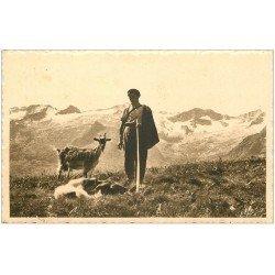 carte postale ancienne 31 LUCHON. Pâtre, Chien et Chèvre