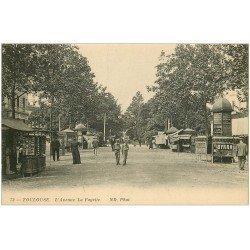 carte postale ancienne 31 TOULOUSE. Avenue Lafayette vespasiennes et marchand de Cartes Postales