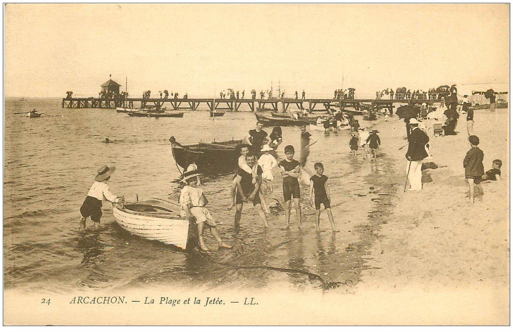 carte postale ancienne 33 ARCACHON. Jetée et Plage 1905