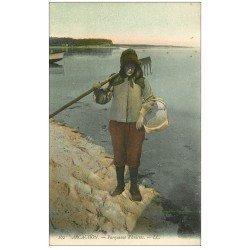 carte postale ancienne 33 ARCACHON. Parqueuse d'Huîtres