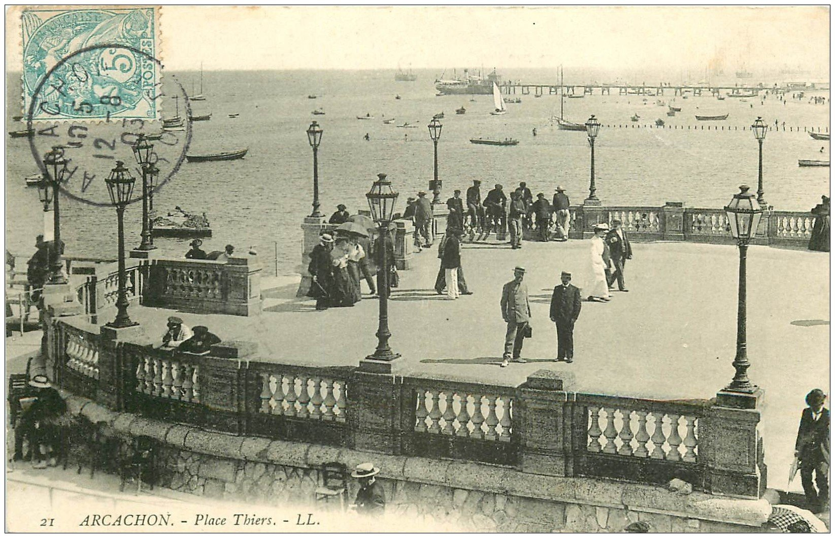 carte postale ancienne 33 ARCACHON. Place Thiers 1903