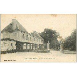 carte postale ancienne 33 ARCINS. Jardinier Parc du Château 1918