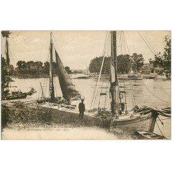 carte postale ancienne 33 LIBOURNE. Bateaux de Pêche confluent de l'Isle 1929