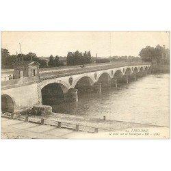 carte postale ancienne 33 LIBOURNE. Pont sur la Dordogne 1914 Bureau du Port (octroi)...