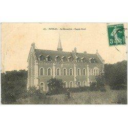 carte postale ancienne 33 SOULAC-SUR-MER. Monastère 1911 personnage