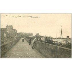 carte postale ancienne 35 SAINT-MALO. Les Remparts 1903