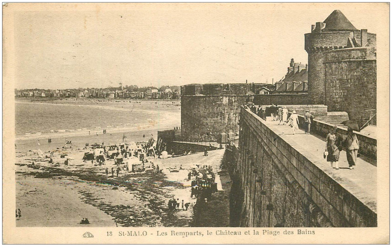 carte postale ancienne 35 SAINT-MALO. Remparts 1930
