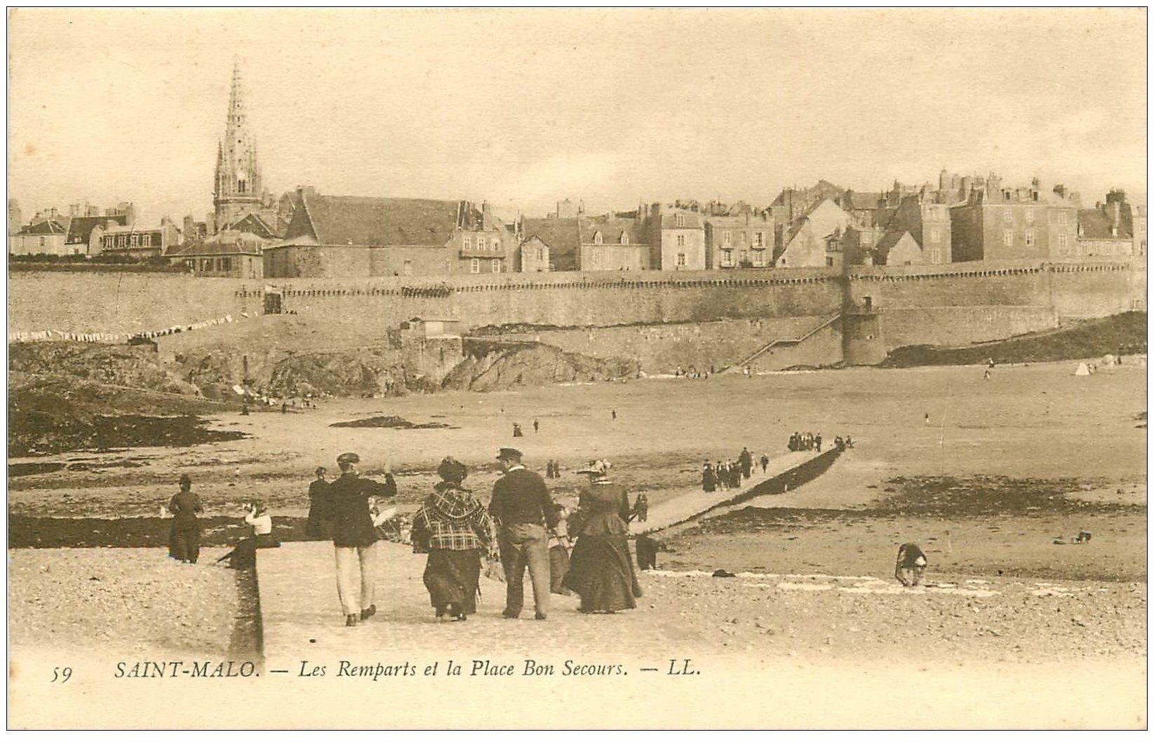 carte postale ancienne 35 SAINT-MALO. Remparts Place Bon-Secours