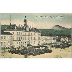 carte postale ancienne 05 GAP. Revue Militaire Place du Lycée