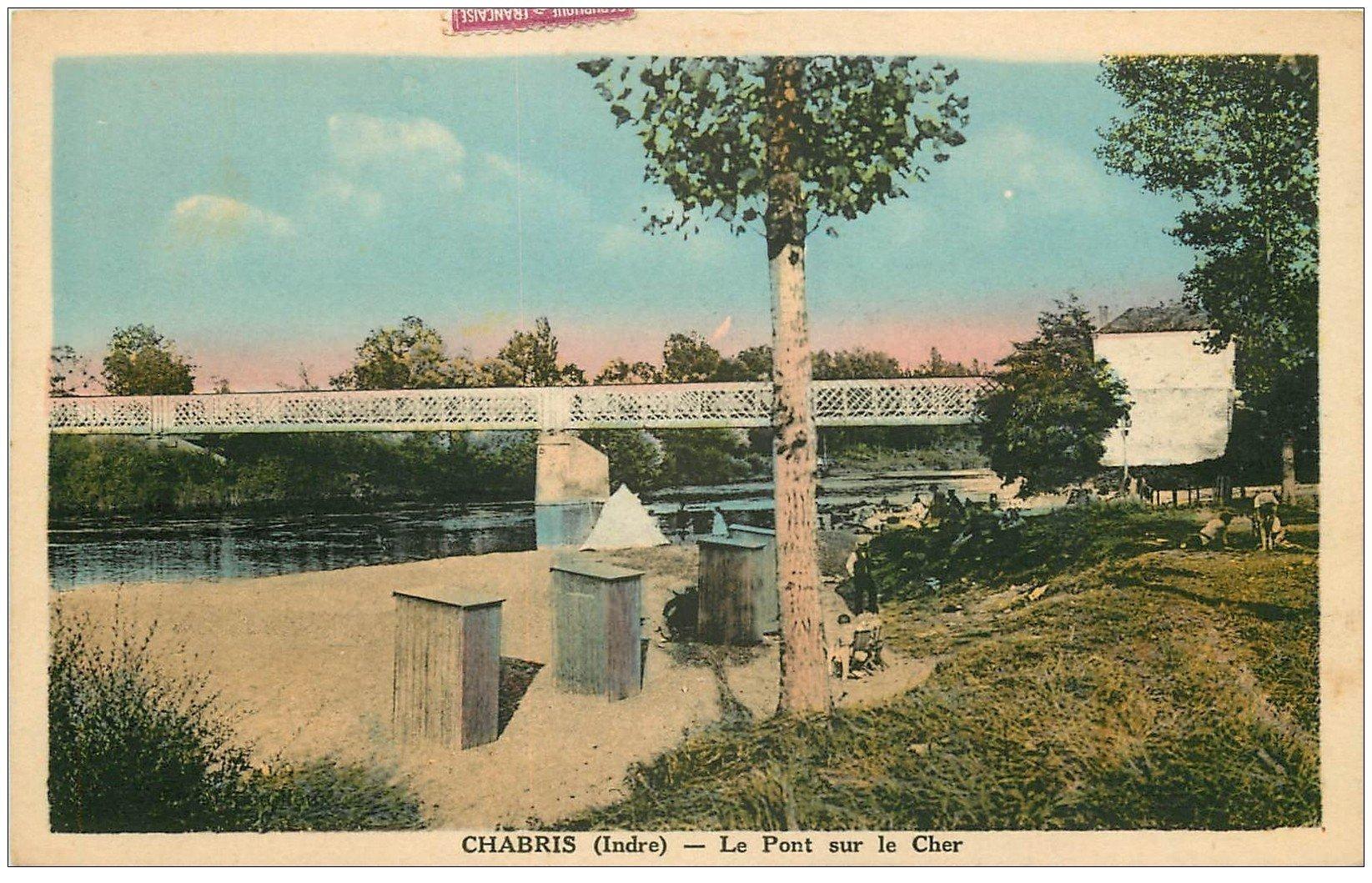 carte postale ancienne 36 CHABRIS. Le Pont 1947 animation
