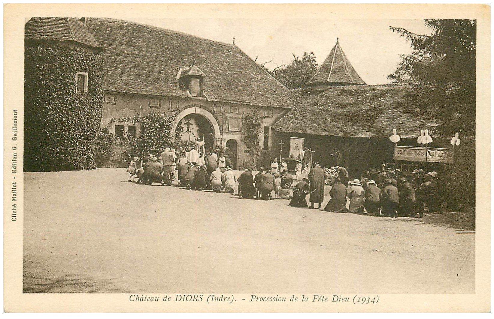 carte postale ancienne 36 CHATEAU DE DIORS. Procession Fête Dieu 1934