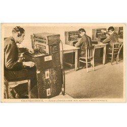 carte postale ancienne 36 CHATEAUROUX. Salle Instruction matériel Téléphonique. Ecole Armée de l'Air Télétypistes