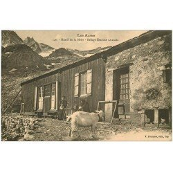 carte postale ancienne 05 MASSIF DE LA MEIJE. Refuge Evariste Chancel avec Chèvre