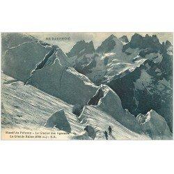 carte postale ancienne 05 MASSIF DU PELVOUX. Alpinistes Glacier des Agneaux et la Grande Ruine