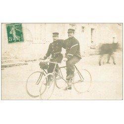 37 CHINON. Superbe et Rare Carte Photo des Facteurs Télégraphistes à vélo 1912. Tampon Chinon et Editeur Réty à Bourges