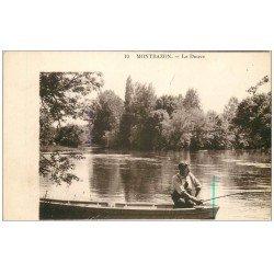 carte postale ancienne 37 MONTBAZON. Pêcheur sur la Douve