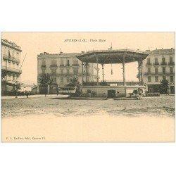carte postale ancienne 06 ANTIBES. Kiosque à Musiques Place Macé. Carte pionnière vers 1900...