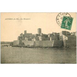 carte postale ancienne 06 ANTIBES. Les Remparts 1913