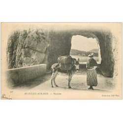 carte postale ancienne 06 BEAULIEU. Paysanne avec son âne. Carte Pionnière 1903