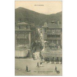 carte postale ancienne 65 BAGNERES-DE-BIGORRE. Café de Paris rue des Thermes