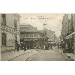 carte postale ancienne 65 BAGNERES-DE-BIGORRE. La Poste et la Halle