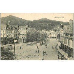 carte postale ancienne 65 BAGNERES-DE-BIGORRE. Place Lafayette et Bédat
