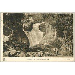 carte postale ancienne 65 CAUTERETS. Cascade du Cerisey 1932 animation et Cheval